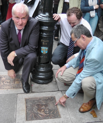 Minister Jimmy Deenihan,  Liam  Ahern, of the Palace Bar,   Jarlath Dal,  sculptor.